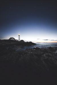Klippe mit Leuchtturm