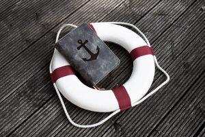 Rettungsring mit Buch