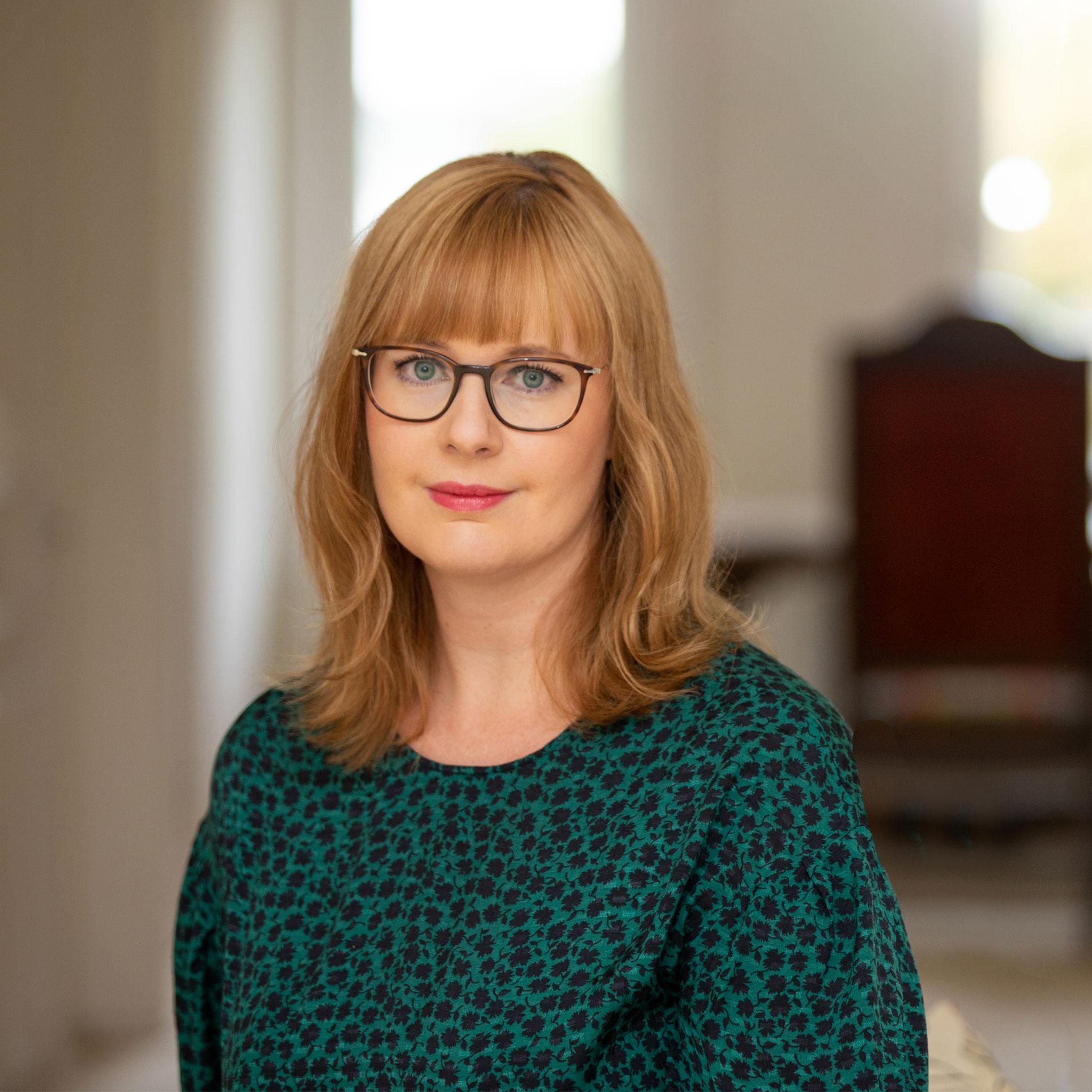Portrait von Jennifer